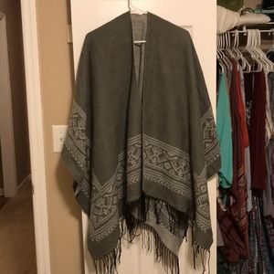 Sweaters - Gray Kimono New With Tag